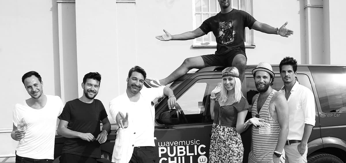Nadine Geigle Land Rover startet mit (Public Chill) b17 public chill Hamburg